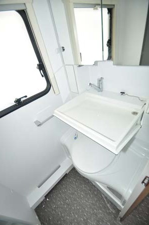 Adria Altea 552DT Tamar wash room