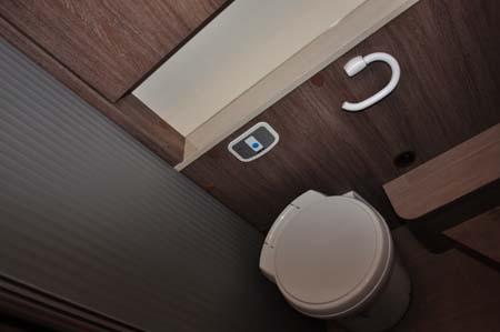 Burstner Ixeo Time IT745 Toilet