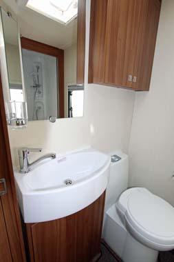 Elddis Affinty 540 Washroom