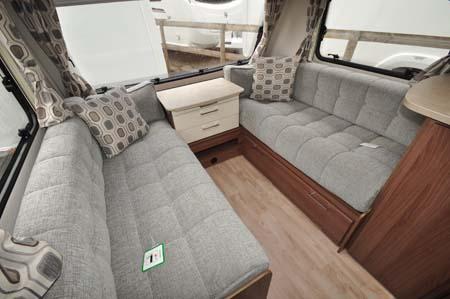 Lunar Venus 550 4 Lounge