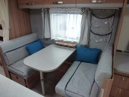 Weinsberg CaraOne 550UK Seating