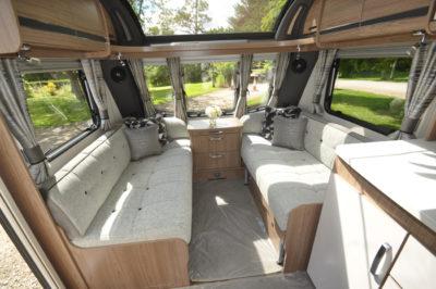 Coachman Laser 675 lounge