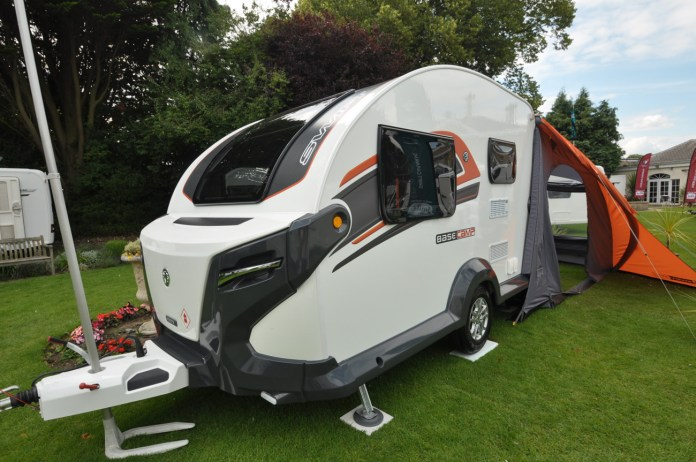 2017 swift basecamp crossover caravan review - caravan guard