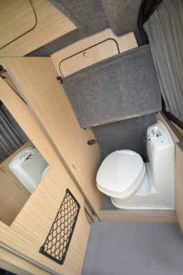 Autohaus Camelot WC
