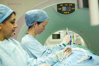 Dr Wah uses the Nano Knife