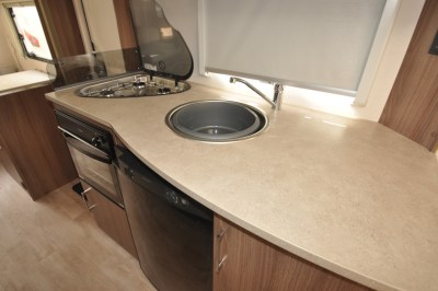 Lunar Venus 590-6 Kitchen 1