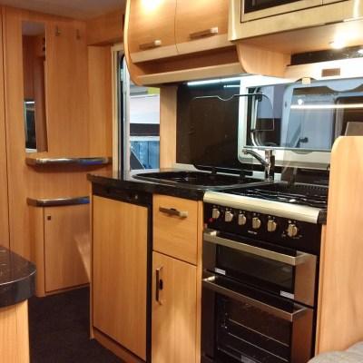 Knaus Star Class 550 Kitchen
