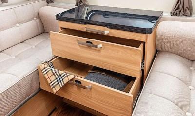 Knaus Star Class 550 Lounge storage