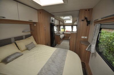 Lunar Lexon 660 Bedroom looking forwards