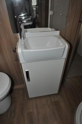 Swift Sprite Quattro EB wash basin