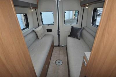 Auto-Trail Tribute 680 sofas
