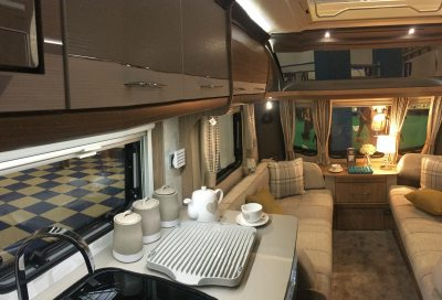 Coachman VIP 570 lounge