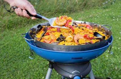 Campingaz - Paella pan for Party Grill 600 Lifestyle