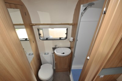 Bailey Pursuit 550 4 caravan washroom