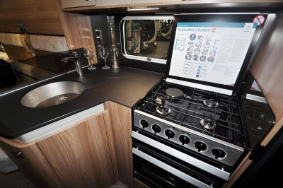 Swift Elegance 655 kitchen