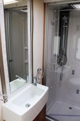 2019 Lunar Clubman SI caravan washroom