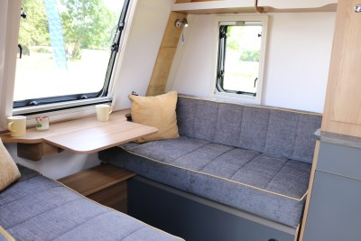 2020 Bailey Discovery D4-3 caravan front lounge