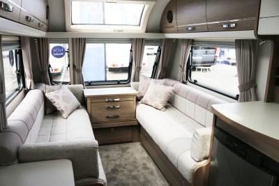 2020 Compass Capiro 520 lounge