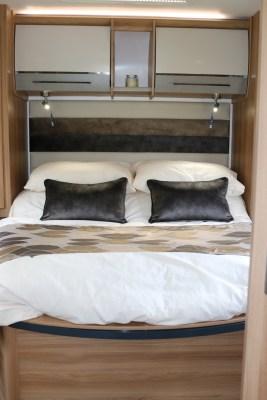2020 Bailey Alicanto Grande Porto island bed