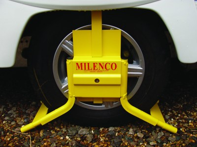 Milenco caravan wheel clamp