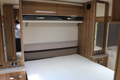 2020 Swift Elegance Grande 850 bed