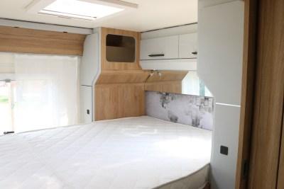 2020 Roller Team T-Line 743 motorhome bed