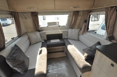 Caravelair Antares 480 caravan lounge