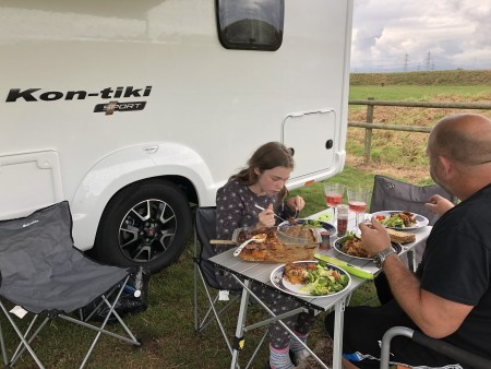 motorhome eating