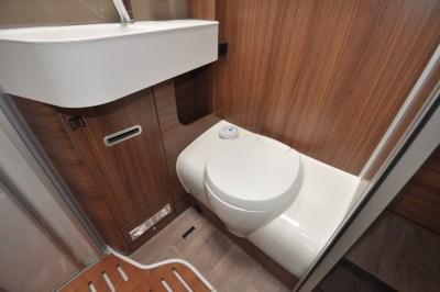 Hymer B-MC I 550 WhiteLine motorhome washroom