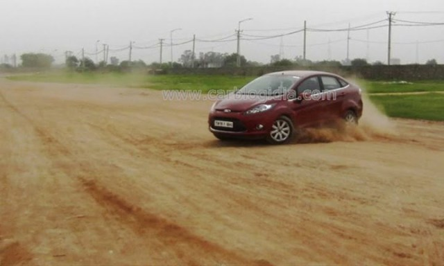 Ford Fiesta Automatic Road Test (8)
