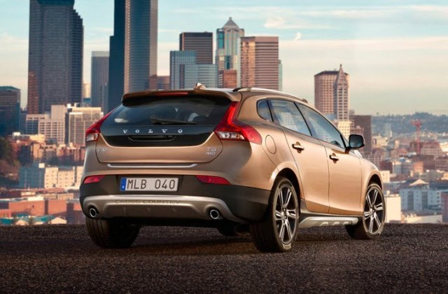 2012 Volvo V40 Cross Country hatchback