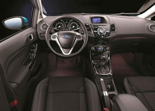 2013 Ford Feista Hatchback (9)