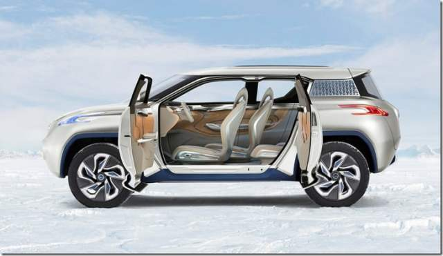 Nissan Terra Concept Side View open doors
