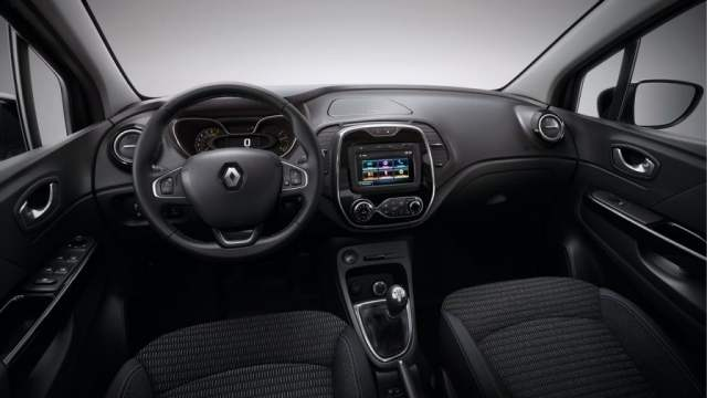 Renault Kaptur India front-interior-official-image-dashboard