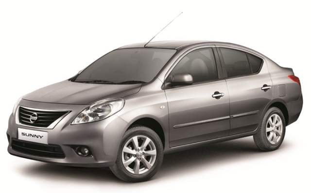 2013 Nissan Sunny Special Edition India (1)