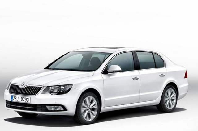 2014-Skoda-Superb-Facelift-Front