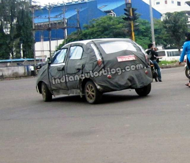 2014-Tata-Vista-facelift-spied-rear-1024x876