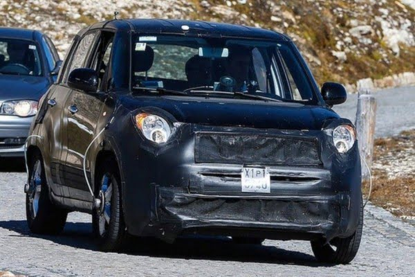 Jeep Compact SUV Spy Shot Front