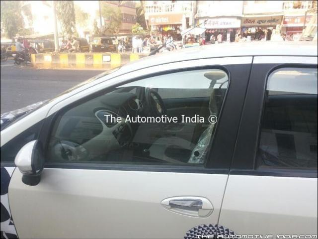 2014 Fiat Punto Facelift Spy Shot Interior