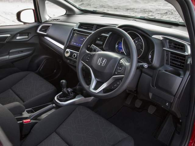 new-honda-jazz-india-interior-dashboard-2