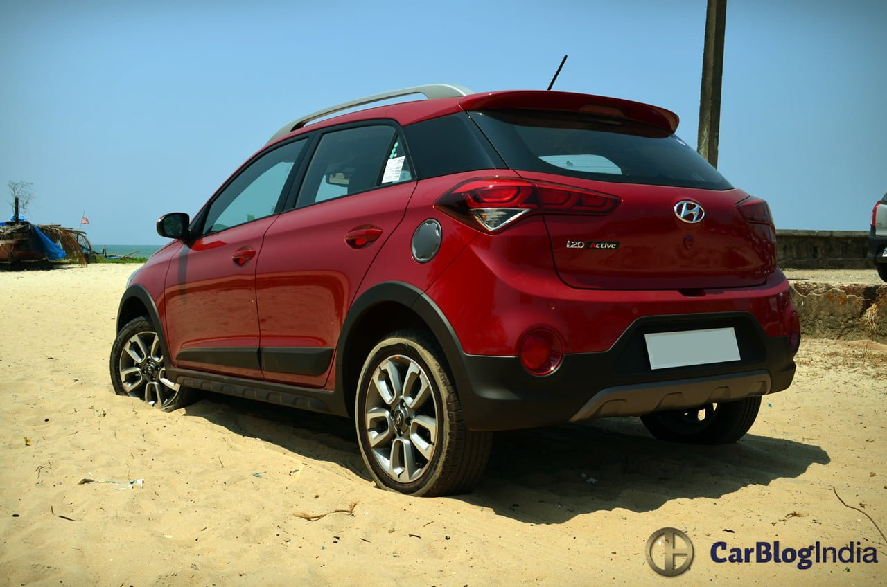 hyundai i20 active crossover launch pics specs features. Black Bedroom Furniture Sets. Home Design Ideas