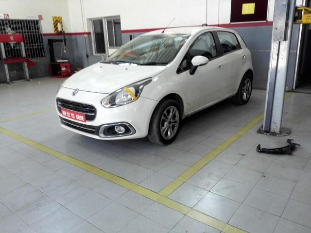 Fiat-Punto-Evo-1.4-T-Jet-India-launch-pics-front-angle
