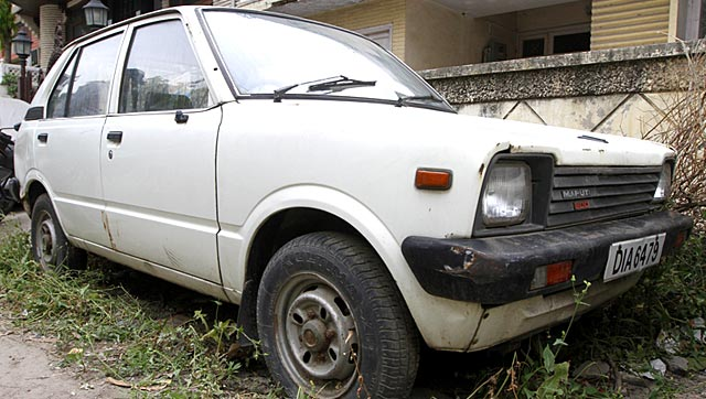 The First Maruti 800 Car in India sits neglected in front of Harpal Singh's residence