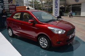 ford-figo-aspire-pics-front-angle-red
