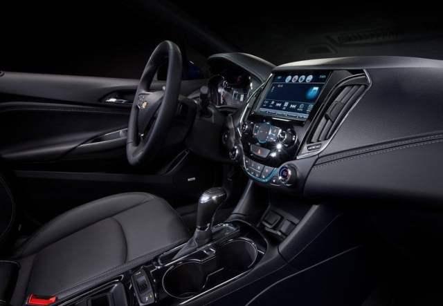 Chevrolet-Cruze-2016-interiors
