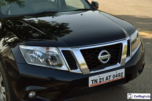 Nissan-Terrano-Petrol-Review-Images-Black-Front-Grille