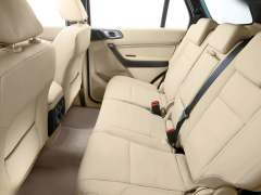 Ford-Endeavour_2016_Front-Angle-Interior-Rear-Seat