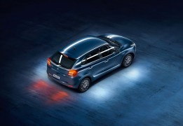 2015-new-maruti-baleno-india-blue-top 3-4th