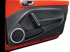 new-volkswagen-beetle-india-official-images-door-inside