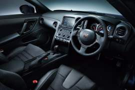 2015-nissan-gt-r-review-photos-interior